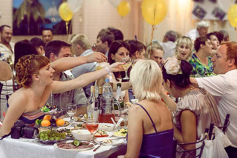 svadba-zastolje-tost